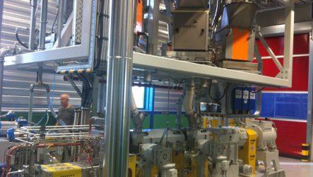IA Industriele Automatisering Besturing Extruder lijn met component dosering