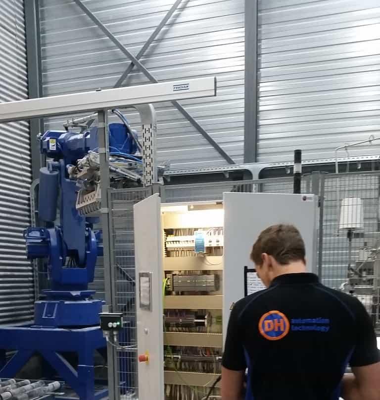 SO Robot, mechanisch, elektrisch en software service en onderhoud 1